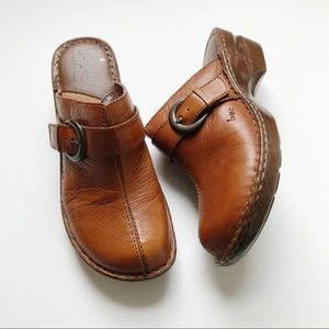Born Brown Leather Clogs 8